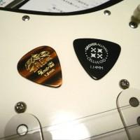 ギター ピック トライアングル ティアドロップ