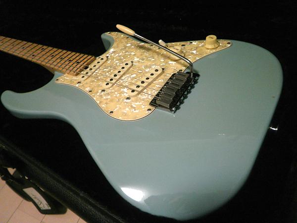 suhr,サー,ギター,classic,strat,standard dinky,midrange,pot,ポット,コンデンサー,弾き比べ,弾いてみた